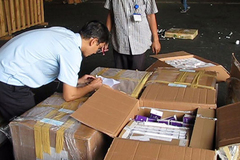 Cảnh giác hàng cấm, hàng lậu chuyển qua bưu chính dịp Tết