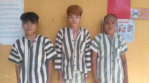Bí tiền tiêu Tết, 3 gã trai ra tay cướp taxi