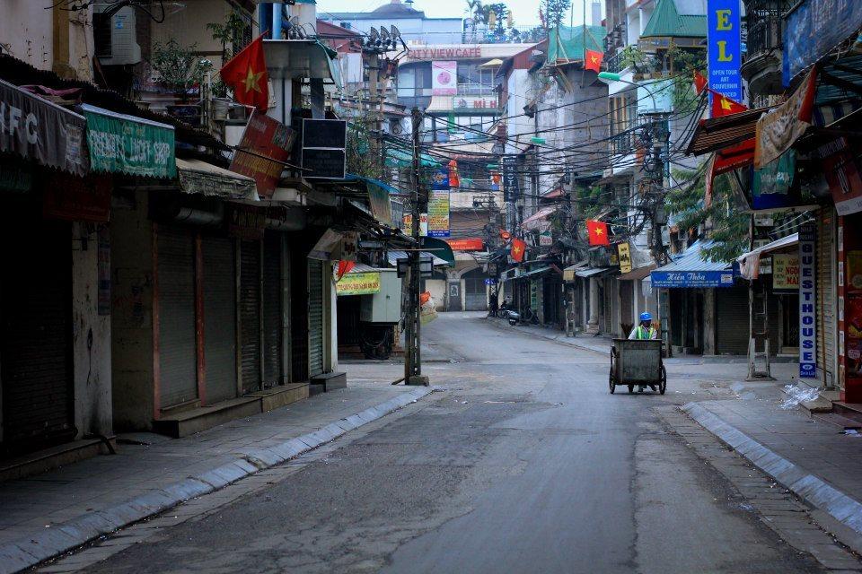 'Kỳ lạ' cảnh Tết ở Hà Nội
