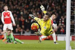 Pháo tịt ngòi, Arsenal chia điểm Southampton