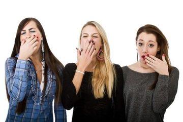 Tại sao ngáp dễ lây lan ở phụ nữ hơn?