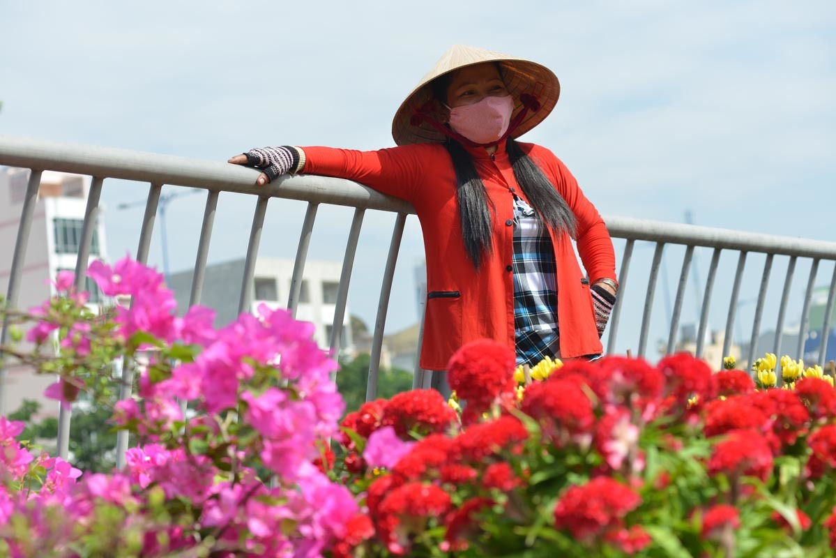 Chợ hoa 'trên bến dưới thuyền' ở Sài Gòn ngày giáp Tết