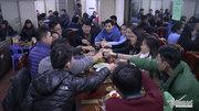 Dân Thủ đô tiệc tùng đón năm mới trong giá rét