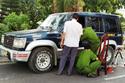 Giám đốc bóp còi xin đường bị đâm chết trong xe