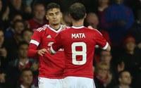 Van Gaal lấy sao trẻ dọa… Juan Mata