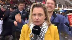 Phóng viên truyền hình bị sàm sỡ khi đang lên sóng