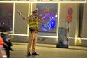 Hình ảnh cảm động chiến sỹ CSGT trực xuyên đêm