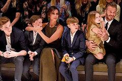 Beckham: Vợ giỏi, con ngoan, lắm xe & gái theo nhiều