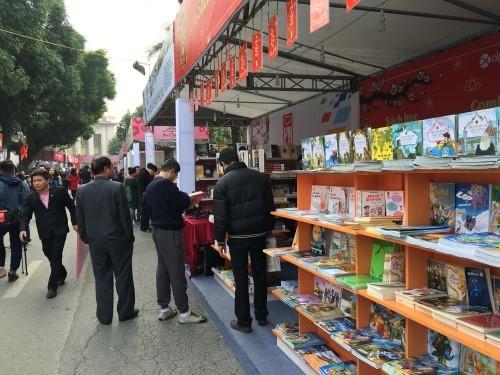 Khai mạc Phố sách Xuân 2016
