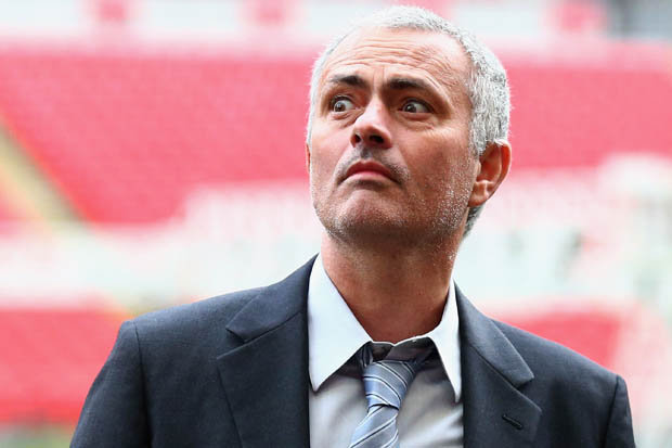 Mourinho được bơm 300 triệu bảng 'đại phẫu' M.U
