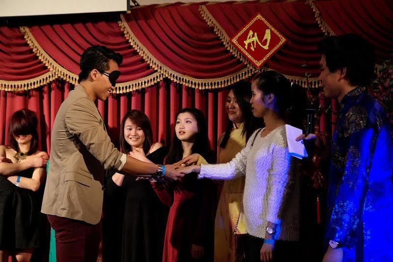 GS Ngô Bảo Châu đón Tết cùng du học sinh tại Chicago
