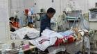Bệnh viện quá tải Tết, bệnh nhân nằm hành lang chờ cấp cứu