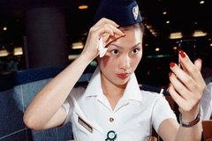 Tiếp viên hàng không tiết lộ 10 bí mật trên máy bay