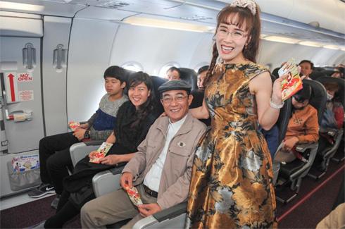Xuân bất ngờ trên chuyến bay Vietjet