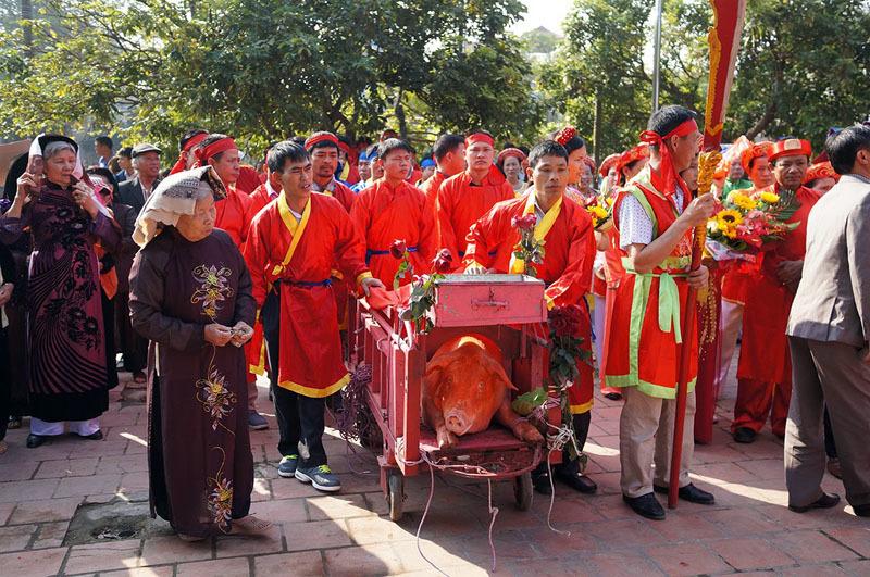 Lễ hội chém lợn: Làng Ném Thượng chém kín 'ông ỉn'