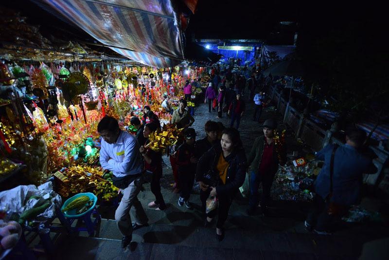 chùa Hương, khai hội, hành hương