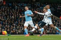 Đánh gục Man City, Tottenham qua mặt Arsenal