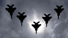 Vì sao Mỹ điều dàn F-15 đến gần sát Nga?
