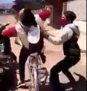 Truy lùng kẻ đánh nữ sinh trong clip xôn xao trên facebook