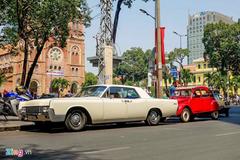 Xe của tướng tình báo Phạm Xuân Ẩn xuất hiện trên phố Sài Gòn