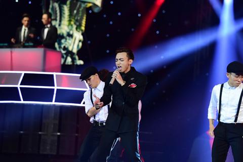 Vì sao Hoàng Thùy Linh không biểu diễn trong The Remix?