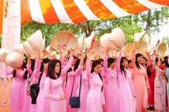 Tp Hồ Chí Minh vận động phụ nữ toàn thành phố mặc áo dài
