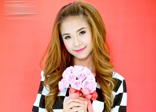 Khởi My, ca sĩ, showbiz, chân dung, Gương mặt thân quen, sao Việt
