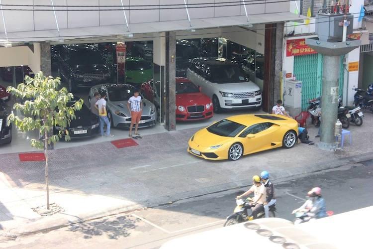 Đại gia Sài Gòn rao bán dàn siêu xe biển đẹp 40 tỷ