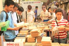 Trưng bày tài liệu quý về dòng họ nhiều giáo sư nhất Việt Nam