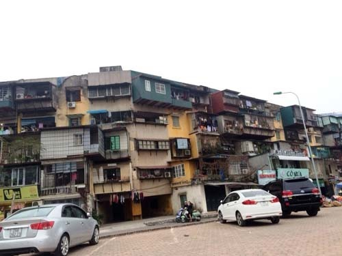 Chung cư cũ Hà Nội: sống trong sợ hãi