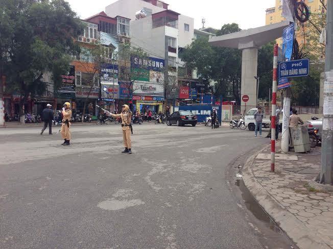 Xe buýt cán chết người trên phố đông nhất Hà Nội