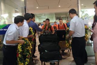 Video những người hùng futsal Việt Nam về nước