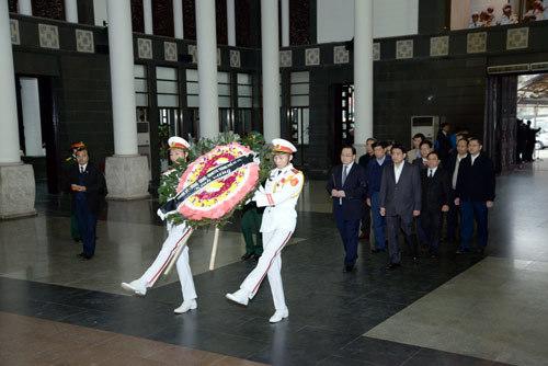 Thủ tướng Nguyễn Tấn Dũng, Thứ trưởng Phạm Quý Tiêu, Đinh La Thăng, Hoàng Trung Hải