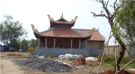 Tạm đình chỉ nhà thờ tổ của Hoài Linh