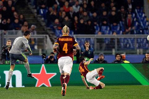 5 bàn thắng đẹp nhất lượt đi vòng 1/8 Champions League