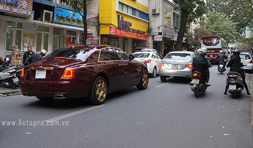 Roll Royce Ghost mạ vàng, Roll Royce của bầu Hiển, T&T, SHB