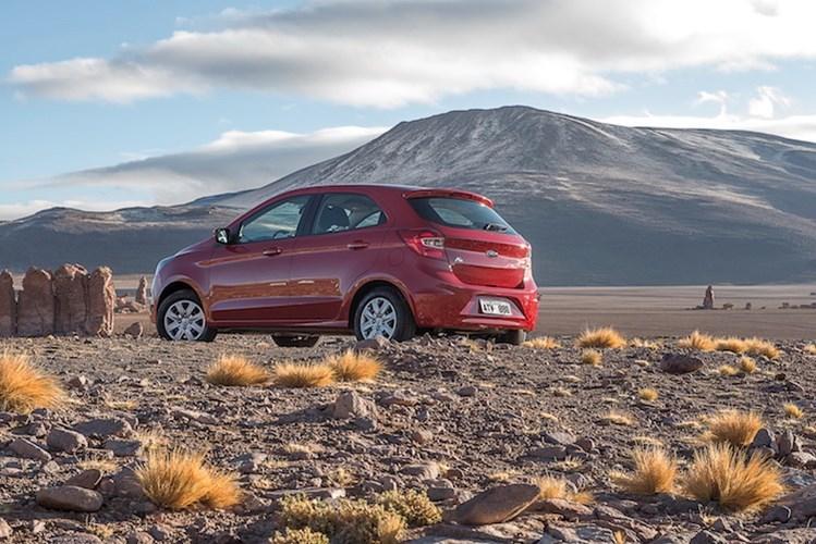20160227075447 7 Ford Ka sẽ chính thức được ra mắt với cả 2 phiên bản sedan hoặc hatchback 5 cửa