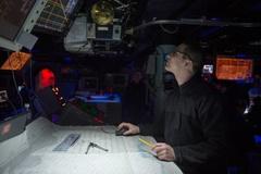 Sợ lỗi GPS, hải quân Mỹ dạy lính định vị bằng... chòm sao