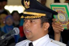 Thị trưởng Indonesia: Mỳ gói, sữa công thức khiến trẻ đồng tính(?)