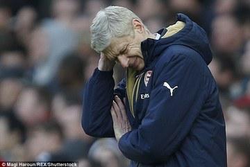 """Wenger """"chết đứng"""" trước sự thăng hoa của Rashford"""