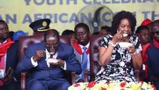 Tổng thống làm sinh nhật triệu đô, ăn bánh khổng lồ