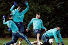 """Hiddink dùng """"quái chiêu"""" huấn luyện sao Chelsea"""