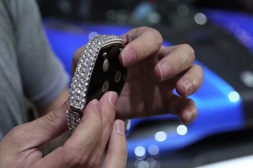 Dân chơi chi hơn 5 tỷ để mua chìa khóa siêu xe