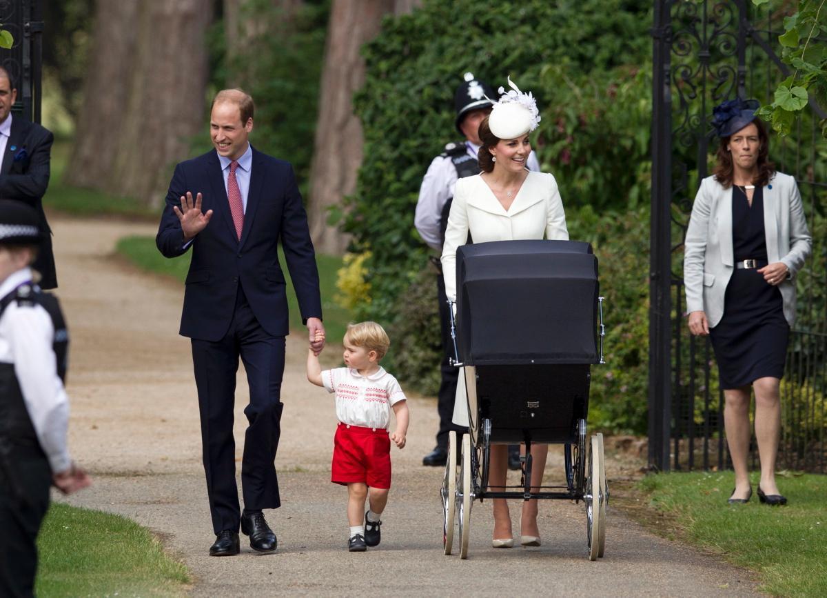 Vợ chồng hoàng gia làm những gì để nuôi con tự nhiên?