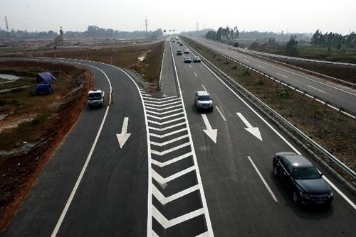 Cấm 6 xe đi vào cao tốc Nội Bài - Lào Cai