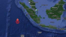 Cảnh báo sóng thần sau động đất rung chuyển Indonesia