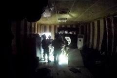 Thế giới 24h: Biệt kích Mỹ tóm sống một thủ lĩnh IS