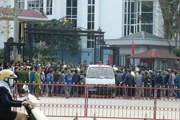 Thanh Hoá họp báo vụ dân tụ tập đòi FLC trả bãi biển