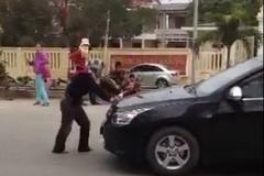 Thanh Hóa: Chặn ôtô xin tiền trước cổng công an huyện