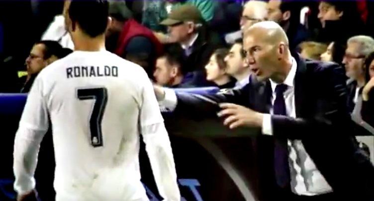Ronaldo, Pepe,, Zidane, Ronaldo và Pepe cãi vã trên sân, Real, levante, la liga